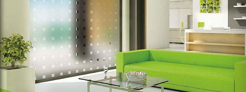 Pellicole decorative applicazione delle pellicole asoloservice for Pellicola a specchio per vetri